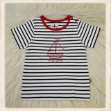 Ecru-blauw T-shirt met zeilboot_